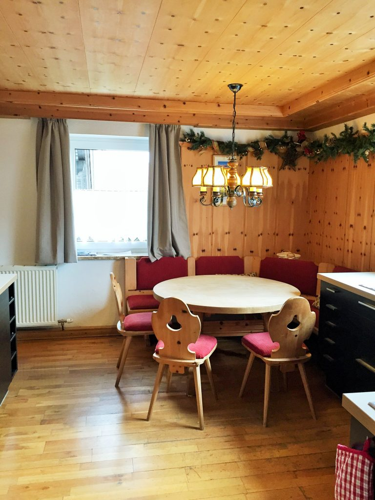 Dining table in Apartment Asitz